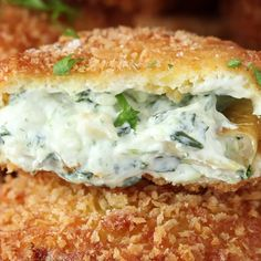 These Spinach Artichoke Dip Onion Rings Are Incredibly Tasty is part of pizza - Crunchy on the outside, soft on the inside! Tasty Videos, Food Videos, Cooking Recipes, Healthy Recipes, Snacks Für Party, Appetizer Recipes, Seafood Appetizers, Great Recipes, Top Recipes