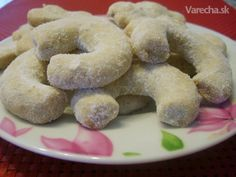 """Vanilkové rožky"" or ""Vanilla Cookies"" Czech Recipes, Vanilla Cookies, Original Recipe, Shortbread, Christmas Baking, Bagel, Biscotti, Doughnut, Smoothie"