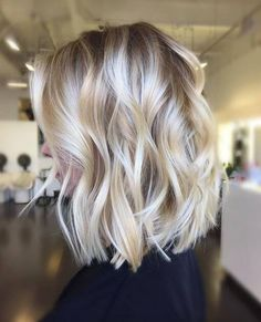 It's true, you can observe that balayage works pretty nicely with all hair lengths. Still another website to explain to you how balayage is finished. You can't fail with this gorgeous b… Blond Ombre, Ombre Hair Color, Short Ombre, Blonde Color, Short Wavy, Short Cuts, Cute Hair Cuts Short, Messy Short Hair, Ombre Bob