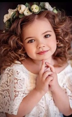Cute Kids Pics, Cute Baby Pictures, Precious Children, Beautiful Children, Beautiful Fairies, Beautiful Eyes, Cute Happy Birthday Wishes, Pretty Little Girls, Cute Love Gif