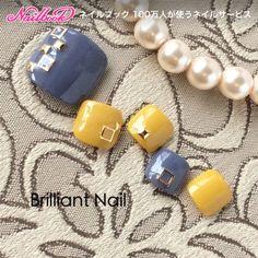 シンプル スタッズFoot✨|ネイルデザインを探すならネイル数No.1のネイルブック Pretty Toe Nails, Cute Toe Nails, Pretty Nail Art, Pretty Toes, Toe Nail Art, Cute Pedicure Designs, Toe Nail Designs, Feet Nail Design, Cute Pedicures