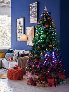 Big Christmas Tree, Christmas Room, Christmas Tree Themes, Christmas Traditions, Christmas Lights, Holiday Decor, Rainbow Christmas Tree, White Christmas, Christmas Tree Colours