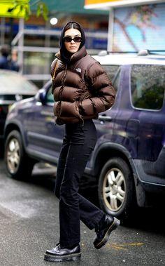 Kendall Jenner sabe cómo vestirse para el frío y estos 15 looks lo comprueban | Vogue México y Latinoamérica