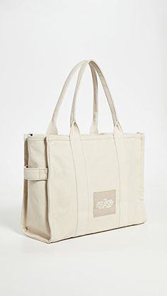 Marc Jacobs Tote, Purse Styles, Block Lettering, Duffy, Cute Bags, Large Tote, Gym Bag, Fashion Purses, Women Wear