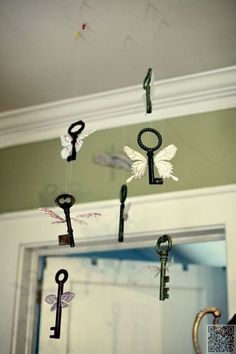 60 Ideas for a Harry Potter Theme Party: 11. Winged Keys