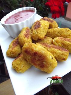 Ketchup, Cheddar, Vegetarian Recipes, Cooking, Ethnic Recipes, Food, Kitchens, Kitchen, Cheddar Cheese