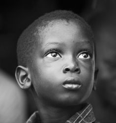 A Melbourne-based project sponsored by Y-GAP, that tries to break the cycle of child slavery in Africa. Aim is to make beautiful photos that people will hang in their living room.