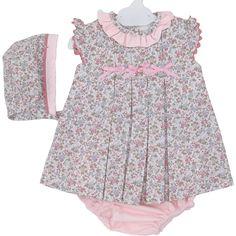 Vestido con cubrepañal Bianca Little Girl Dresses, Girls Dresses, Summer Dresses, Little Fashion, Boy Fashion, Heirloom Sewing, Simple Dresses, Kids Wear, Baby Dress