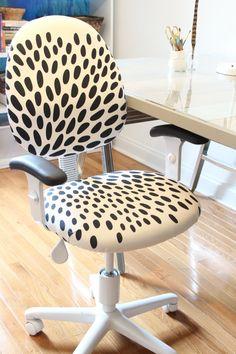 DIY Reupholstered Office Chair antes  e depois de cadeira