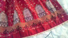 Metamorphose temps de fille - arch window print ((red))