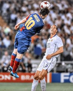final 2009 📸 Superb Header from that finishes the hopes of getting back into the game making it for . Barcelona Vs Manchester United, Manchester United Champions League, Messi Champions League, Barcelona Champions League, Messi Vs Ronaldo, Ronaldo Football, Messi 2009, Football Tactics, Football Players Images