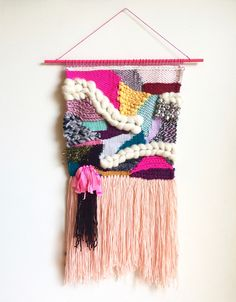 Ideas wall hanging ideas weaving textile art for 2019 Weaving Textiles, Weaving Art, Loom Weaving, Tapestry Weaving, Weaving Wall Hanging, Wall Hangings, Weaving Projects, Fabric Manipulation, Weaving Techniques