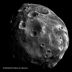 On December 29 ESA Probe Makes The Closest Ever Flyby Of Phobos - MessageToEagle.com
