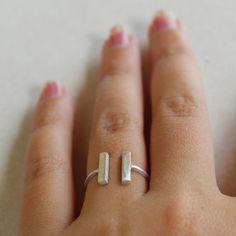 Anello argento 925 con due barrette minimal e di AMEjewels su Etsy