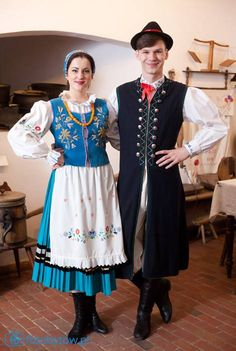 one of the first men's folk outfits that I've seen that looks dashing and samart as opposed to just fun or just practical. Polish Clothing, Folk Clothing, Ethnic Outfits, Ethnic Dress, Polish Folk Art, Costumes Around The World, Art Populaire, Beautiful Costumes, Folk Costume