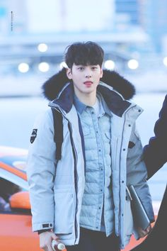 [11.02.17] Astro in Incheon Airport - EunWoo