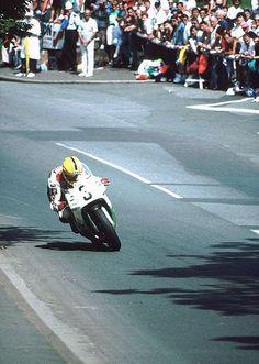joey dunlop. bray hill, isle of man. 1992.