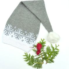 Langlue /nisselue barn 7-12 år/dame Hat Patterns, Knitted Hats, Free Pattern, Winter Hats, Knitting, Christmas, Cowls, Creative, Navidad