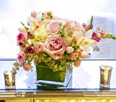 Send the Soft Shabby Chic bouquet of flowers from Anna Held Floral Studio in Chicago, IL. Local fresh flower delivery directly from the florist and never in a box! Beautiful Bouquet Of Flowers, Fresh Flowers, Share Pictures, Animated Gifs, Holiday Pops, Pop Up Art, Fresh Flower Delivery, Glass Cube, Flower Photos