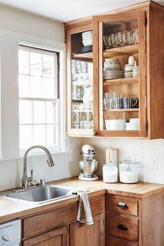 How To Make Kitchen Cabinets, Natural Wood Kitchen Cabinets, Wood Cabinets, Kitchen Wood, Kitchen Modern, Kitchen Shelves, White Cabinets, Kitchen Countertops, Craftsman Kitchen
