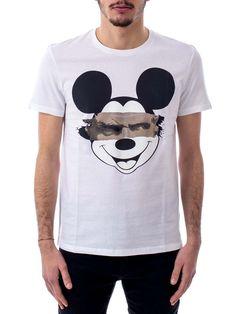 http://www.stylemid.com/en-US/product/man/clothing/9889/BJE610TS2591_03-WHITE-t-shirt-no-set-neil-barrett.html