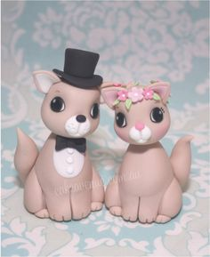 Custom Wedding Cake Toppers. Cat Bride & Groom figurines made from fondant.