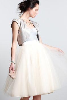 Love this skirt! Too pretty.