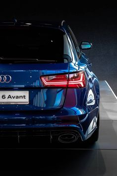 High Performance Audi RS 6 Avant 2006 – Audi Reinvents an Icon: the 2008 TT Coupe and…second generation, high performance AUDI Sports car wallpapers for your desktop in High…High-end automobiles like Audis need regular… Audi Rs6, Allroad Audi, Audi Autos, Audi 2017, Bmw X7, Mustang Fastback, Audi Sport, Performance Cars, Amazing Cars