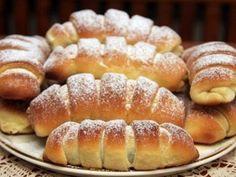 Desať receptov na plnené rožteky - Žena SME Bread Dough Recipe, Oreo Cupcakes, Mini Cheesecakes, Hot Dog Buns, Doughnut, Nutella, Food And Drink, Sweets, Cooking