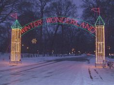 Travel | Kentucky | Ashland | Eastern Kentucky | Town | Small Town | Winter Wonderland | Christmas Town | Holidays | Christmas Lights | Park