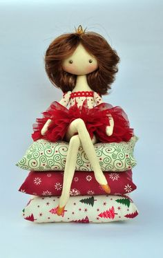 Princess on the Pea cloth doll handmade doll art от NilaDolss: