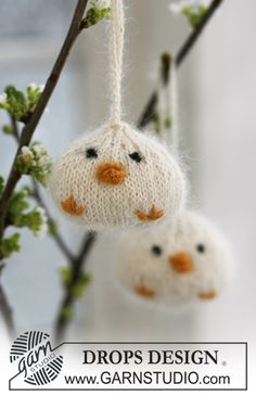 "Knitted DROPS Easter chickens in ""Alpaca"" and ""Kid-Silk"". ~ DROPS Design, thanks so for share xox"