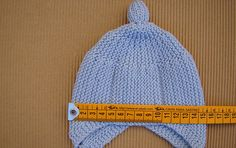 tutorial para hacer gorrito bebé estilo peruano a dos agujas, knit baby peruvian hat Baby Hats Knitting, Knitting For Kids, Knitted Hats, Crochet For Kids, Crochet Hats, Beanie Hats, Amigurumi, Baby Booties, Bonnet