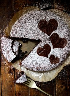 Valentine's Swedish Goey Chocolate Cake I used salted butter and added no salt. I also used light brown sugar instead of white. 12 min at 200 degrees fan oven Delish. Gooey Chocolate Cake, Chocolate Muffins, Chocolate Desserts, Chocolate Chocolate, Valentine Cake, Valentine Treats, Valentines, Cannoli Cream, Scandinavian Food