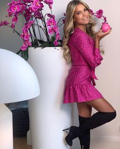 Sylvie Meis Style, Sexy Outfits, Stylish Outfits, Pantyhose Outfits, Beautiful Legs, Beautiful Women, Sexy Boots, Tight Dresses, Pretty Dresses