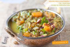 Avez-vous déjà essayé cette recette anglo-indienne ? Un délicieux bouillion de poulet, lié avec du lait de coco à un mélange de riz et lentilles épicié au cari… laissez-vous tenter par notre recette de soupe Mulligatawny!