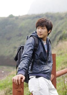 Ji Hyun Woo - Korean singer/actor.    Not the typical flower face, but really can't take my eyes of him!!