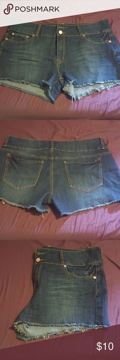 Frayed ends distressed look jeans shorts Frayed ends distressed look jeans shorts 2.5 inseam refuge Shorts Jean Shorts