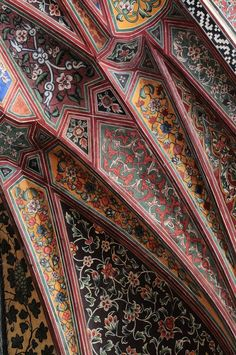 Frescos in the Wazir Khan Mosque, old Walled City of Lahore - all this useless beauty - Architecture Persian Architecture, Mosque Architecture, Beautiful Architecture, Beautiful Buildings, Art And Architecture, Architecture Details, Modern Buildings, Serpentine Gallery Pavilion, Fresco