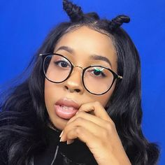 """What does this hairstyle look like? #unicehair Frontal 18"""" + 3bundles 16,18,20"""" ❤️"""