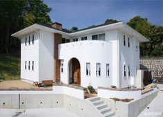 倉敷市-Kurashiki city- O様邸 Mansions, House Styles, Home Decor, Decoration Home, Manor Houses, Room Decor, Villas, Mansion, Home Interior Design