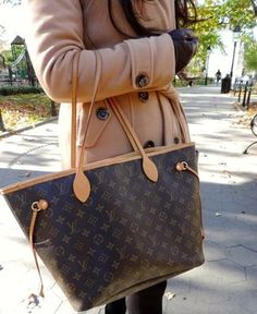 louis vuitton neverfull mm monogram. Louis Vuitton Neverfull MM Monogram Shoulder Bag / Like New Excellent Condition DETAILED FEATURES Mm