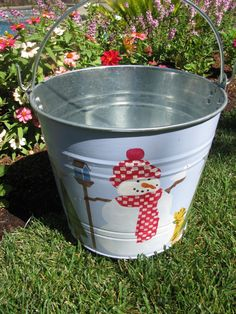 Etsy の Snowman Bucket by bubee