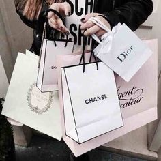 Picture of chanel, dior, and shopping – Soraya Radford – Join the world of pin Dior, Shopping Spree, Go Shopping, Discount Shopping, Shop Till You Drop, Luxe Life, Rich Girl, Retail Therapy, Gossip Girl