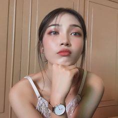 Image may contain: 1 person, closeup Ulzzang Korean Girl, Ulzzang Couple, Beauty Makeup, Hair Makeup, Filipina Girls, Pinterest Girls, Girl Korea, Western Girl, Skater Girls