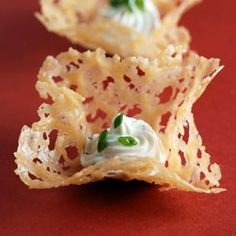 Parmesan Crisps with Chèvre. From the French Laundry book Parmigiano-Reggiano Crisps with Goat Cheese Mousse. A must for any cheese lover. Bakery Recipes, Milk Recipes, Raw Food Recipes, Cooking Recipes, Gourmet Recipes, Tapas, Appetizers For Party, Appetizer Recipes, Buffet