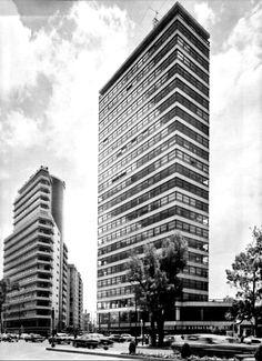Edificio Para la Aseguradora ANAHUAC 1954  Paseo de la Reforma. México, D.F.  Arq. Juan Sordo Madaleno