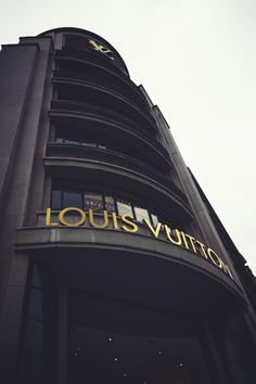 """ Louis Vuitton 