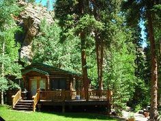 Luxury private cabins by creek for rent in quaint little Ferncliff area of Allenspark, 20-25 minutes between Estes Park & Lyons on Hwy Business 7 , also a short and pleasant drive from Boulder & Front Range towns, ...