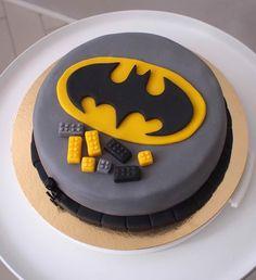 Liljan Lumo: Batman -cake for Henri Batman -kakku Henrille